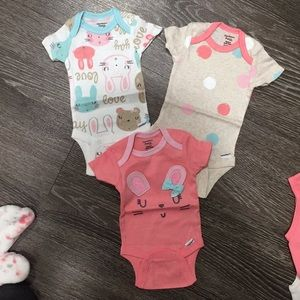 Gerber One Pieces - (6 Items) baby girl clothes